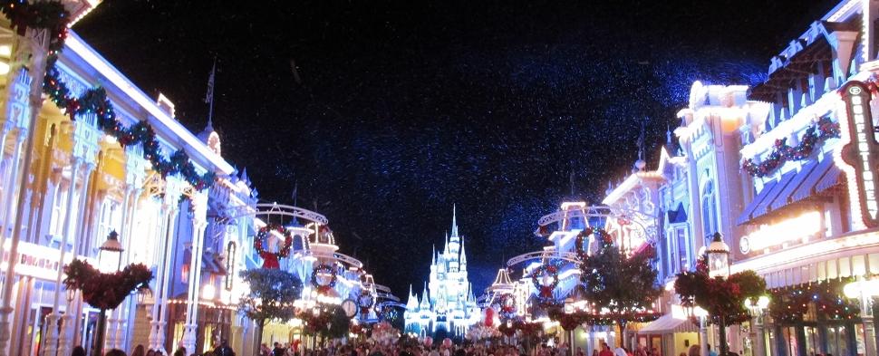 Magic Kingdom Christmas_by_Chad Sparkes