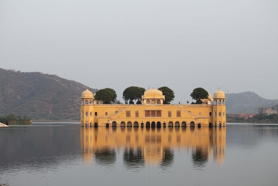 1200px-Jal_Mahal_Jaipur_India