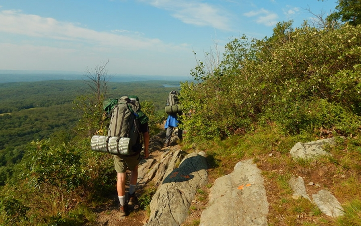 2016_Course_Title_Page_Photos_POBS_Delaware_Backpacking_Rock_Climbing_ridge-Kenja-Griffin_WebEdit_720_450_crop_fill (1)