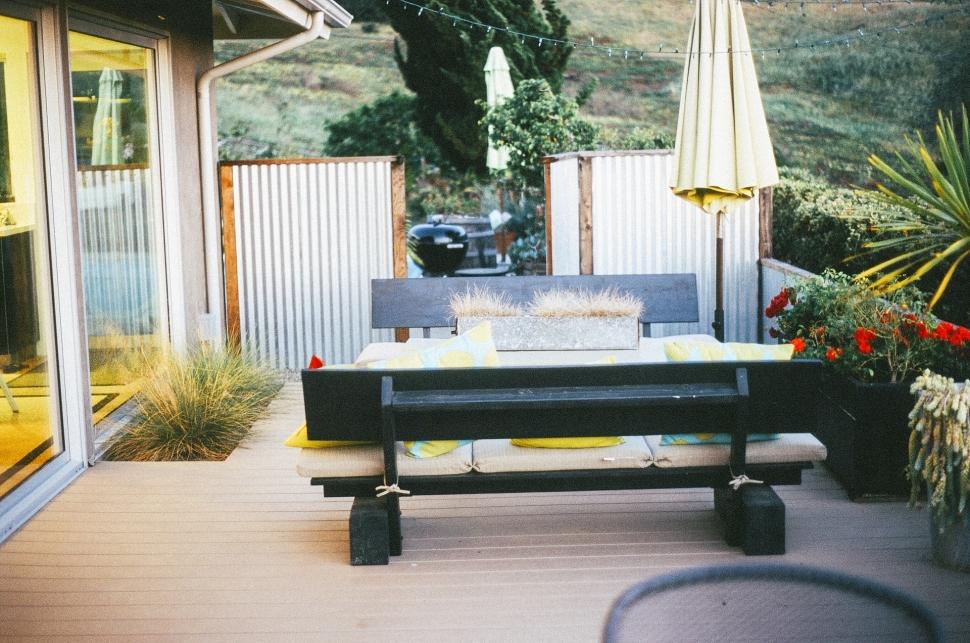 patio-2628075_1920