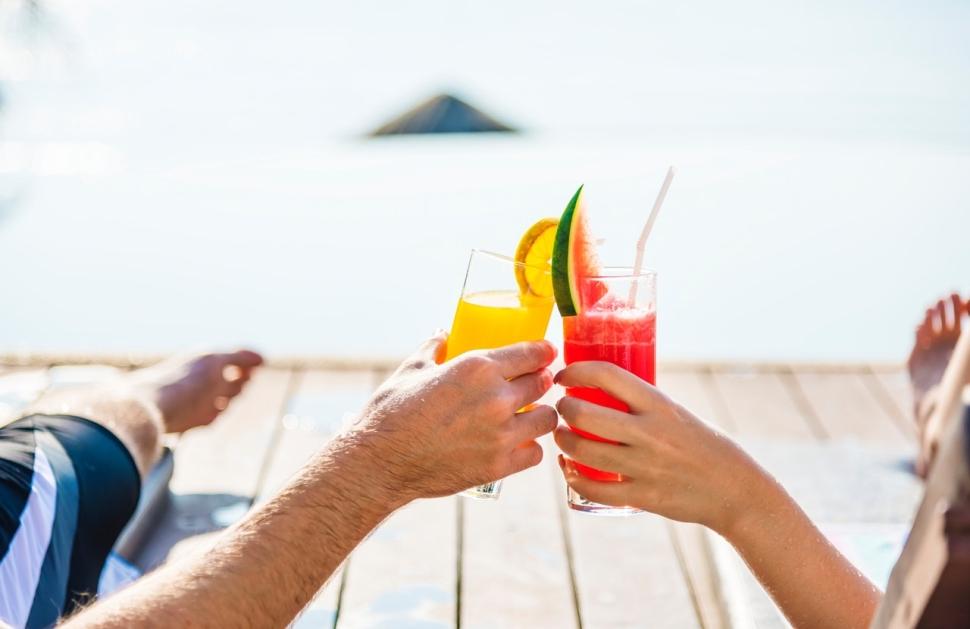 adult-antioxidant-beach-1332194
