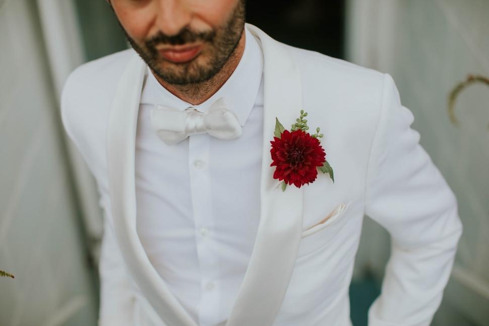fashion-groom-looking-1662948