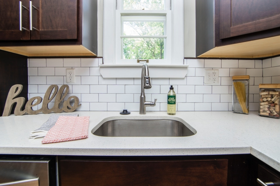 counter-faucet-indoors-2980589