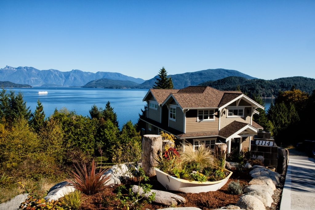 house-lake-mountains-plants-262405