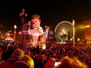 1024px-Carnaval_nice_corso_illuminé