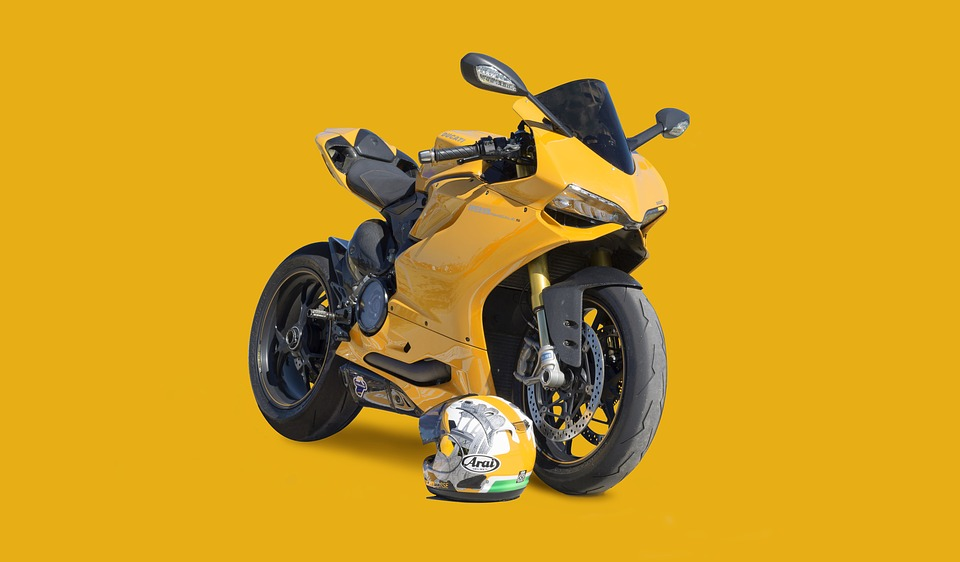 motorcycle-1269976_960_720
