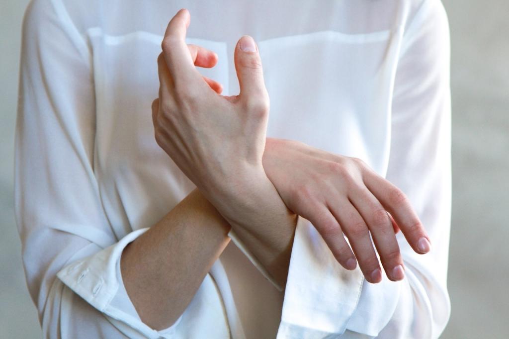 women-s-white-long-sleeved-top-1083981
